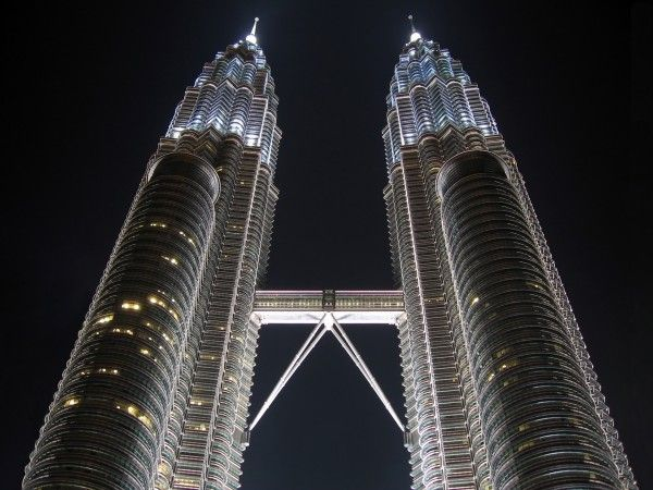 Heights of Petronas travel and world Wallpaper - Wicked Wallpaper - FREE HD wallpapers