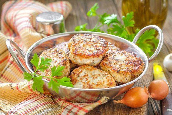 Нежнейшие котлетки из рыбы с рисом. Они простые и очень вкусные. Вы можете использовать любую рыбу, ...