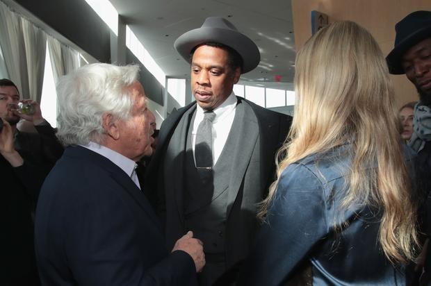 "Jay-Z Talks #MeToo Movement, Donald Trump and More On ""The Van Jones Show"" Jay-Z gets candid with Van Jones.https://www.hotnewhiphop.com/jay-z-talks-metoo-movement-donald-trump-and-more-on-the-van-jones-show-news.42959.html ... https://drwong.live/article/jay-z-talks-metoo-movement-donald-trump-and-more-on-the-van-jones-show-news-42959-html/"