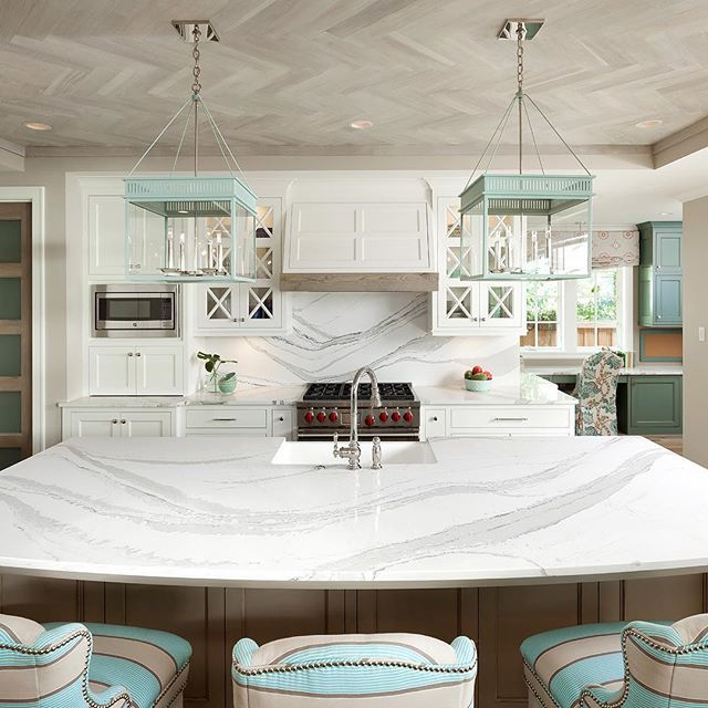 Shades Of Neutral Gray White Kitchens: For A Kitchen That Evokes Peace, Pair Symmetry And