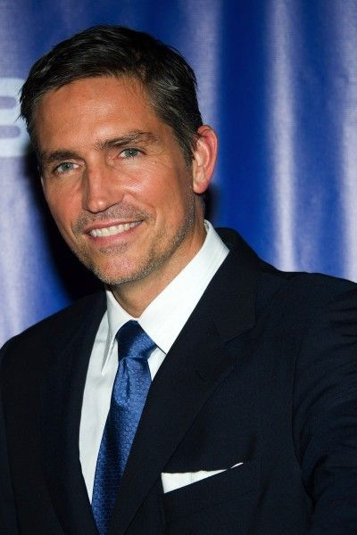 Jim Caviezel has such a beautiful smile, and he's just downright gorgeous. :)