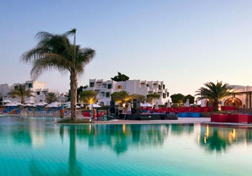 Egypte Hurghada  Mercure Hotel 4*.   Eigen zandstrand aan  Rode Zee. Luxe, mooie tuin, zwembad, tal van faciliteiten Vlakbij  koraalrif, ideaal snorkelen en duiken.
