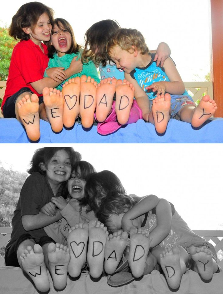 such a cute photo opp!  And they give you ideas for if you have more or less kids in the photo!