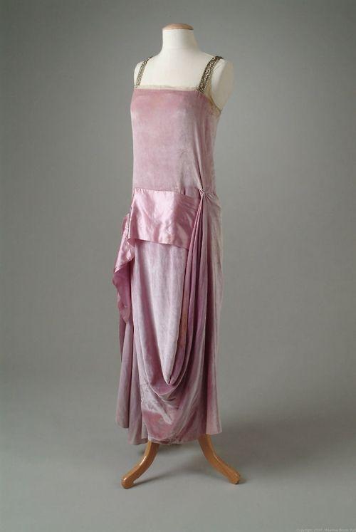 Evening Dress Callot Soeurs, 1922 The Meadow Brook Hall Historic... - OMG that dress!