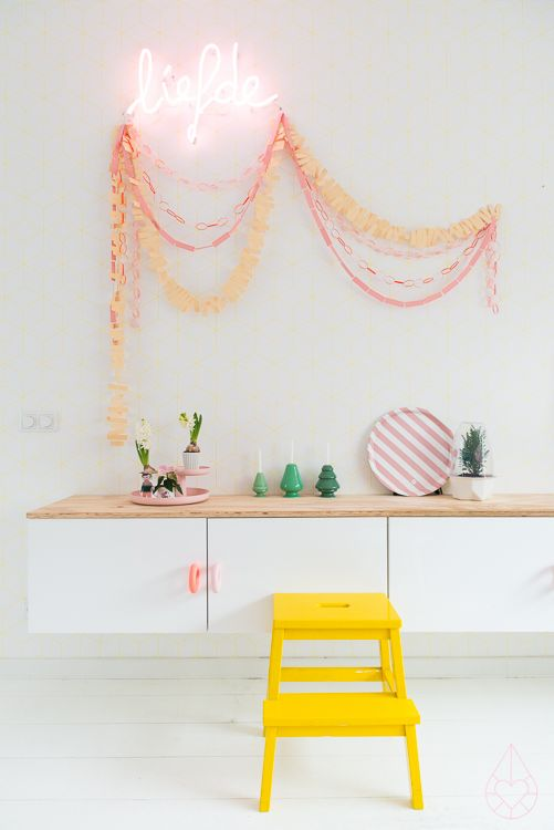 styling  / DIY paper garlands, by zilverblauw.nl