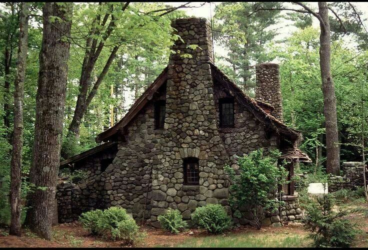 Love this lil stone cottage