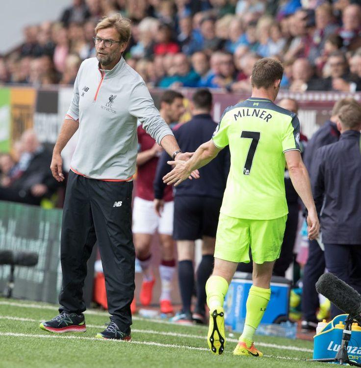 BURNLEY, ENGLAND - Saturday, August 20, 2016: Liverpool's Jürgen Klopp shakes…