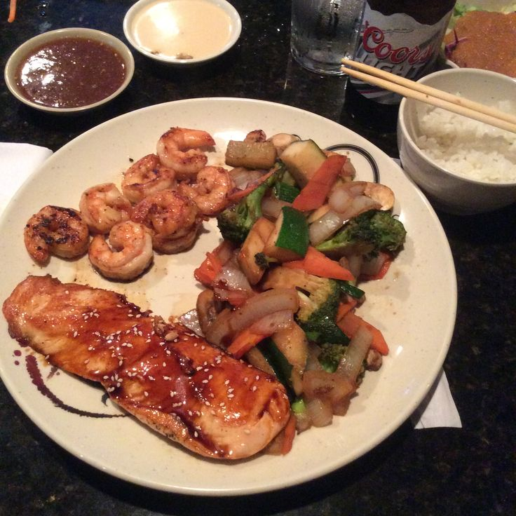 Shrimps, salmon and vegetables hibachi!