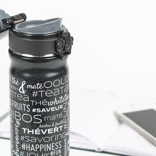 Pour une infusion chaude ou encore glacée, la bouteille FLO est parfaite à emporter partout où vous irez! Peut contenir 450 ml du thé ou de l'infusion de votre choix! #icetea #tealover #teaaddict #teataxi #teabottle #instagramaddict #theglace