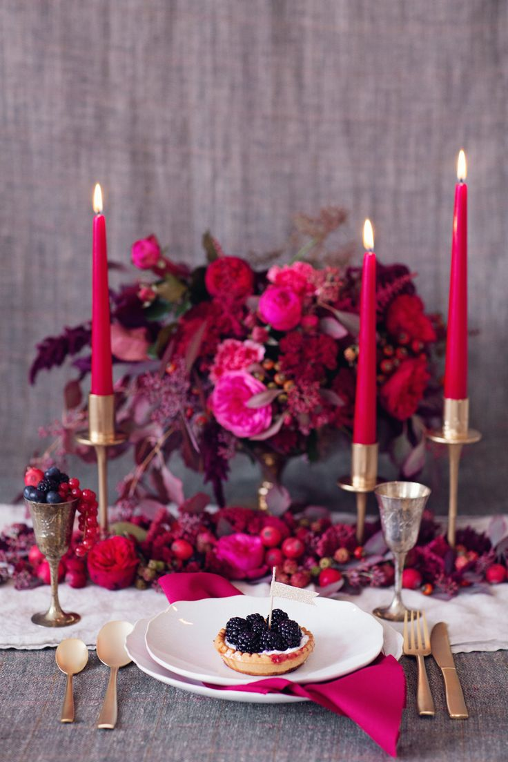 bold red and berry place setting