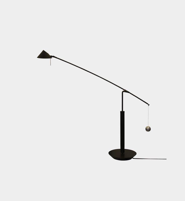 Carlo Forcolini [ur. 1947 r.] Floor lamp, Nestore Tavolo 90, 1989 Italy, Artemide  Dimensions base d. 24 cm d. 106 cm  h. 210 - 133 cm
