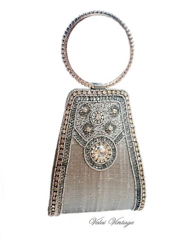 Bolso con asas pulsera de estrás | Velei Vintage : Bolsos antiguos, bisutería barroca, complementos, antigüedades, cuadros, arte en general.