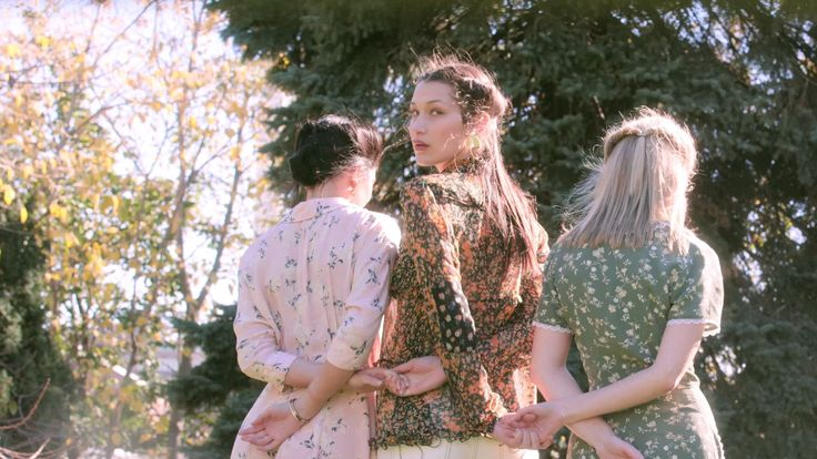 Keep your face to the sun in dizzy bursts of blooms that are one part '90s ingenue, one part Picnic at Hanging Rock—and at all under $500, the start of a fine romance. Swoon!