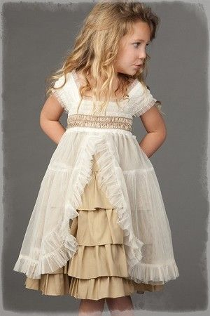 Flower Girl Dress ~ There's something so cute about this dress! Perfect for an outdoor & maybe woodsy wedding!  :)