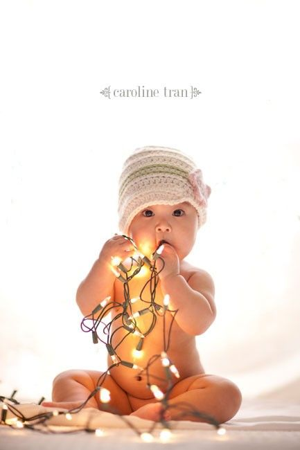 a baby Christmas photo :)Pictures Ideas, Christmas Cards, Christmas Pictures, Photos Ideas, Christmas Baby, Christmas Lights, Christmas Ideas, Baby Photos, Christmas Photos