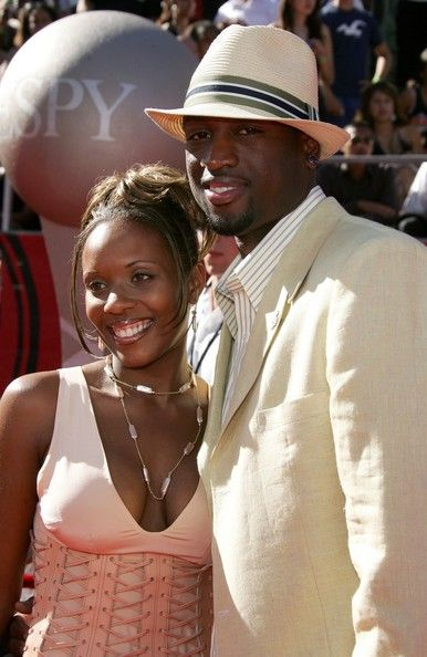 Dwyane Wade Siohvaughn Wade Photos - Dwyane Wade of the Miami Heat and his wife Siohvaughn arrive at the 2006 ESPY Awards at the Kodak Theatre on July 12, 2006 in Hollywood, California. - 2006 ESPY Awards - Arrivals