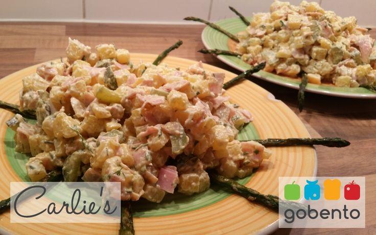 Koolhydraatarme aardappelsalade passend in een koolhydraatarm dieet. Onderdeel van de weerkmenu's van gobento.nl