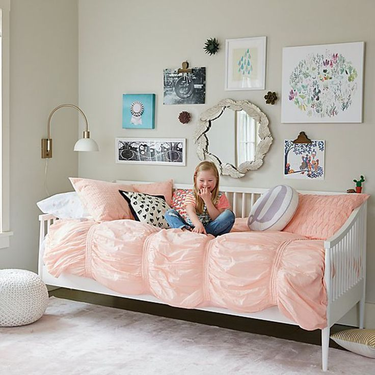 Best Small Kids Room Ideas Crate And Barrel Girls Daybed 400 x 300