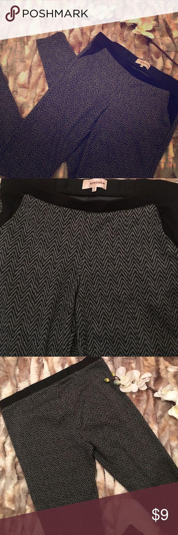 Women's Size M Dress Pants - CHEVRON Print Chevron Print dress pants - size medium in women's/juniors.  Black accent pockets.  No rear pockets. Straight leg. Pants Straight Leg