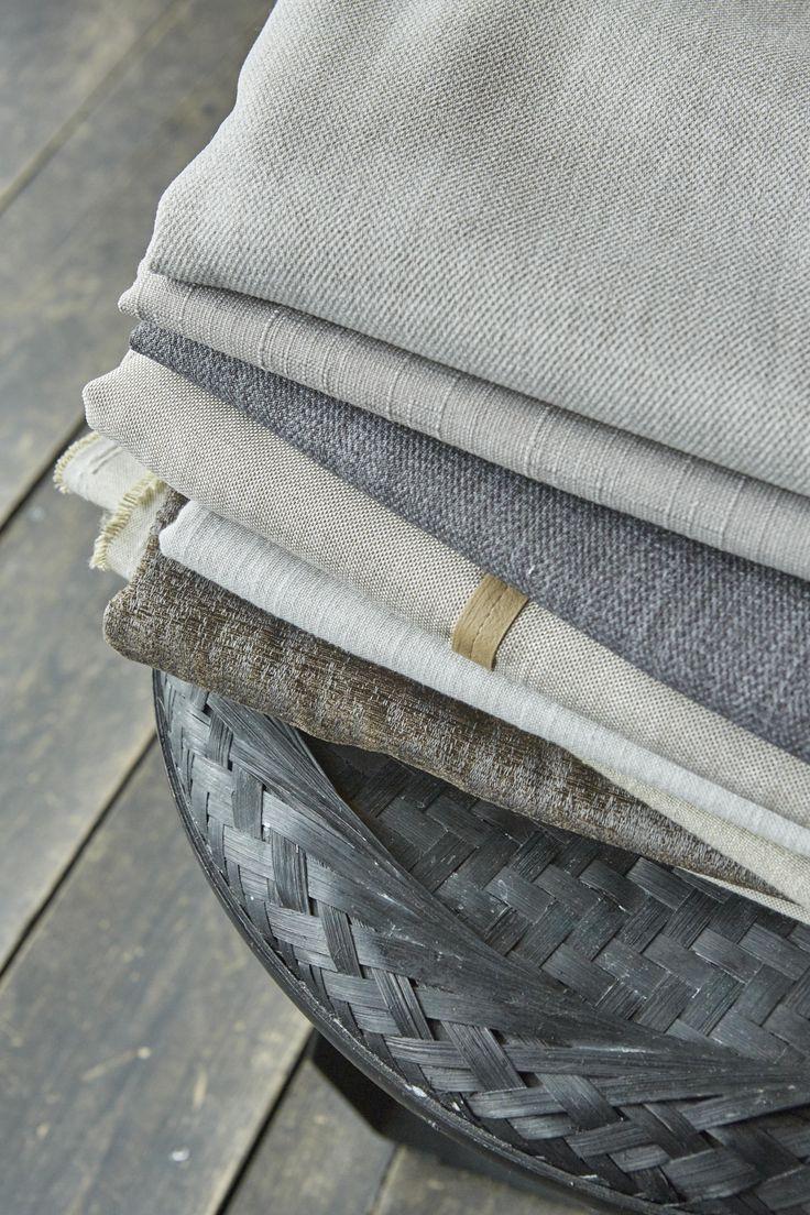 Keuze uit ruim 200 gordijnstoffen. byTzum. Original curtains for an easy lifestyle.
