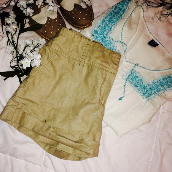 Morgan De Toi Linen Shorts Very nice khaki linen shorts. Size 7 Morgan De Toi Shorts Cargos