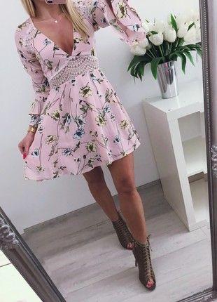 af37e3fbe603 Letnia sukienka kwiaty pudrowy róż wiosenna M 38 Boohoo koronka | vinted.pl  | Dresses, Wrap Dress, Fashion