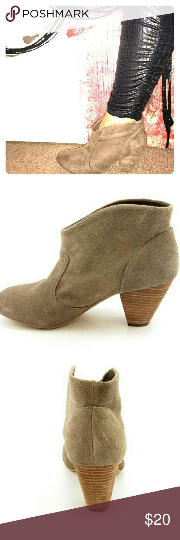 Carlos Santana boots Carlos Santana boots suede cowboy style.In very good conditions. The boots can be worn with skinny jeans, dresses,  and are very cute, sexy, and comfortable. Carlos Santana Shoes Ankle Boots & Booties