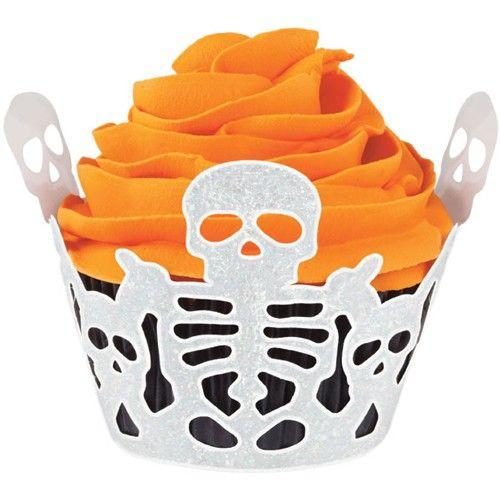 Geef je cupcakes een spookachtige uitstraling met deze fijn opengewerkte Wilton cupcake wrappers. De cupcakes dien je wel nog te bakken in baking cups, niet inbegrepen in de set. De wrappers zet je vervolgens om je cupcakes.