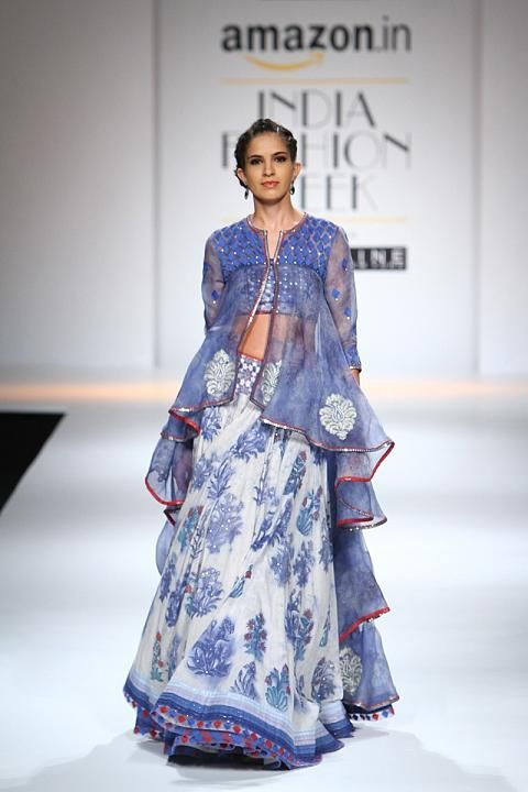Poonam Dubey | Amazon India Fashion Week Spring/Summer 2016 #Indiancouture #PM