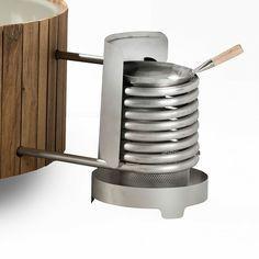 Holz Ofen zum Heizen des Wassers