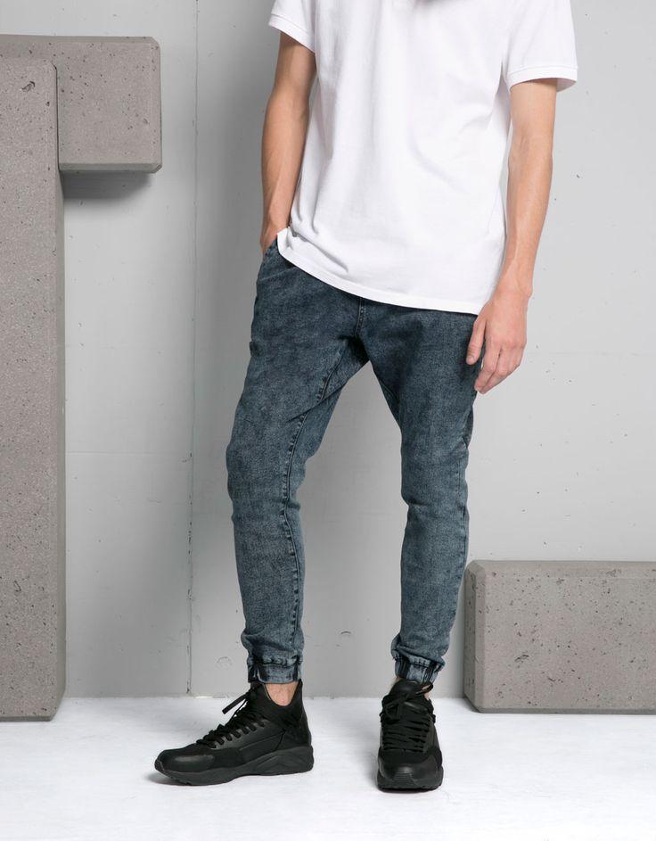 Jogger jeans met onderaan smalle pijp - New - Bershka Netherlands