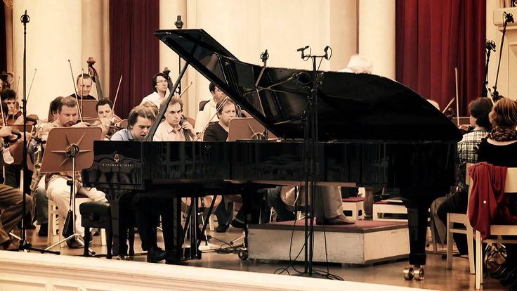 Ingolf Wunder, Vladimir Ashkenazy, St. Petersburg Philharmonic Orchestra  Tchaikovsky Piano Concerto No. 1  Video by Deutsche Grammophon