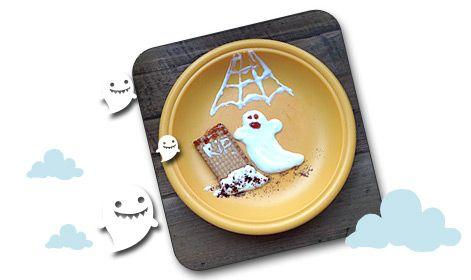 Merienda para Halloween: Fantasma de Yogur griego volviendo a su tumba. http://www.planesparapeques.com/2014/10/10/meriendas-terrorificas-para-halloween/
