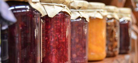 Lavendelmarmelade / Konfitüre oder Gelee selber herstellen mit Erdbeeren oder Aprikosen, Rezepte und Tipps für Lavendel in der Küche weitere ausgefallene Rezepte