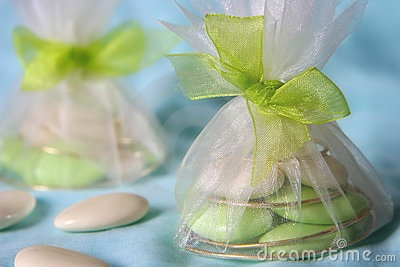 Tulle bags and ribbon for the dragees