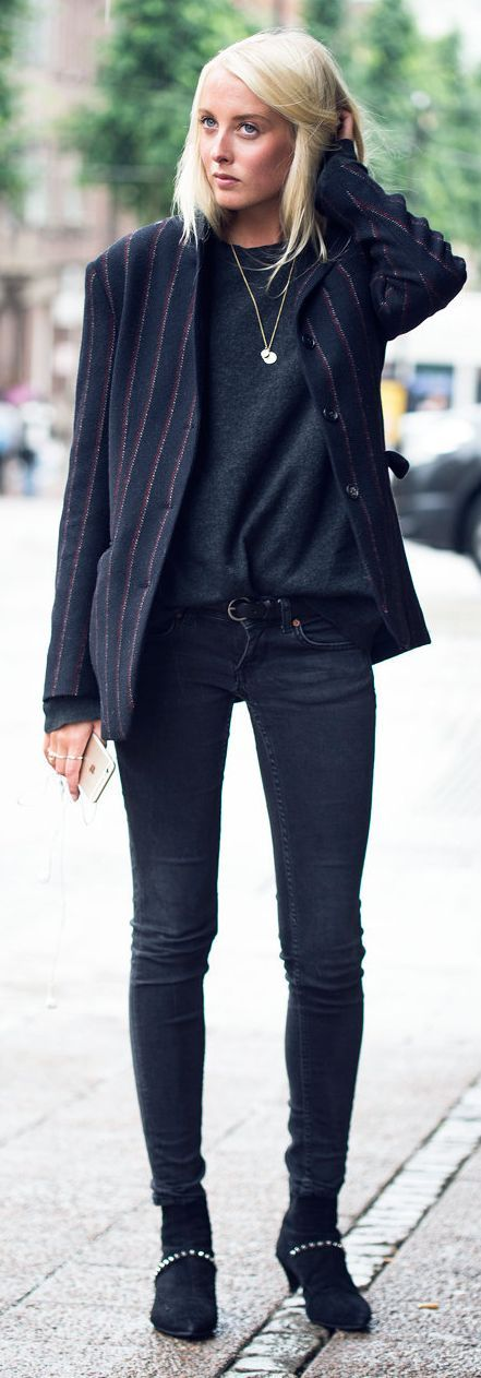 Ellen Claesson Dark Neutrals Everyday Boyish Fall Outfit Idea