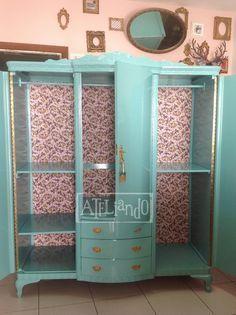 Ateliando - Customização de móveis antigos: Do lixo ao luxo...versão Guarda Roupa Antigo.