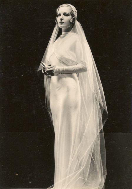 1930's Wedding Dress [more at pinterest.com/eventsbygab]