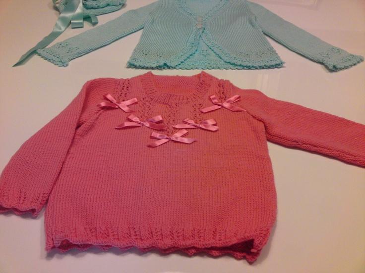 Golfini in lana e nastrini di raso [0-3 anni]