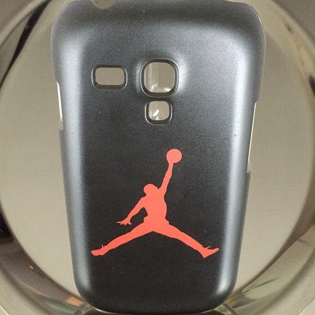"""""""Découvrez  la sélection de coques rigides et silicones sur www.accessoires-express.fr La Boutique de Personnalisation pour votre smartphone! #AccessoiresEX  #coquesamsunggalaxys3mini #galaxys3mini #basketball #michaeljordan #jordan"""" Photo taken by @accessoiresexpress on Instagram, pinned via the InstaPin iOS App! http://www.instapinapp.com (01/29/2015)"""