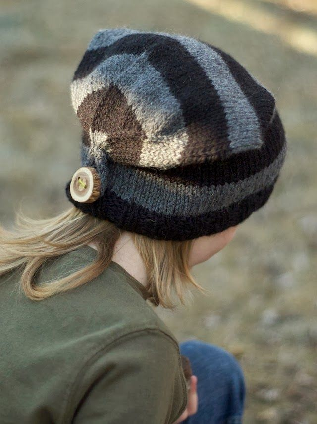 The Sitting Tree: Button back hat.  This is a cute idea and the pattern is free.  Great little site.
