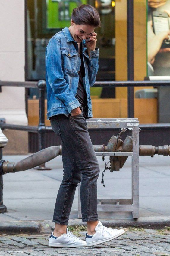 Mix up your double denim if you don't like to go full on stonewash. | How to Style your casual Denim Jacket