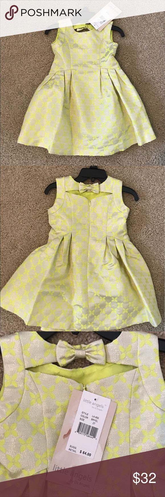 Little Angels Sleeveless Metallic Brocade Dress 2T Gorgeous toddler dress - Little Angels by Us Angels. Sleeveless brocade metallic dress with beautiful lemon yellow pattern on champagne fabric. Adorable bow at back neckline, fully lined. Size 2T. Us Angels Dresses Formal