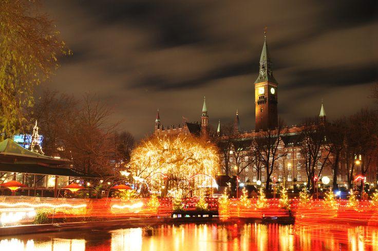 Celebrating Holiday Traditions Around The World | Oldways #holidayseason #celebratetraditions #Christmascheer #Copenhagen #Italy #France #Mexico