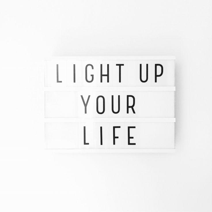 Ik moet regelmatig even stil staan bij waar ik mee bezig ben en de rest parkeren en loslaten tot wanneer ik er wel tijd voor heb. Deze quote is dus echt toepasselijk voor dit moment! Hele fijne maandag en week iedereen ❤️   #shs #studiohappystory #happystorycakes #cakes #taart #cakestudio #designercakes #creativecakes #girlboss #momo #motivationalmonday #maandag #monday #motivation #lovelylittlelightbox #happyandsweet #glorioussweets #lichterleven #lightupyourlife #mindfullness #relax