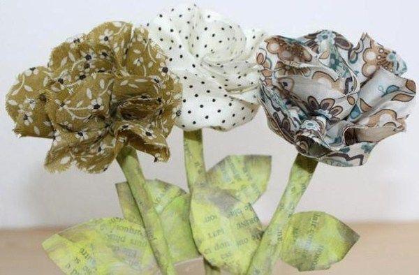 Faire de jolies fleurs à base de récup !