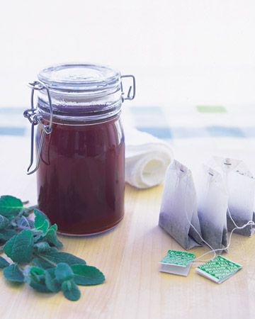 Sunburn Solution with black tea and fresh mint by Martha Stewart: