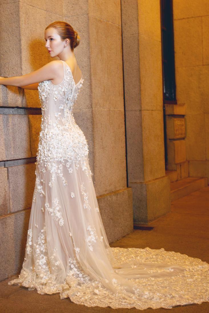 $192.49 Dresswe.comサプライ品最新のチャペル列車のウェディングドレス シース Vネック フラワー