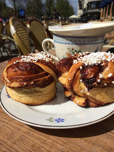 Fika - Uppsala Cafe - Sweden | afternoon coffee with cinnamon buns