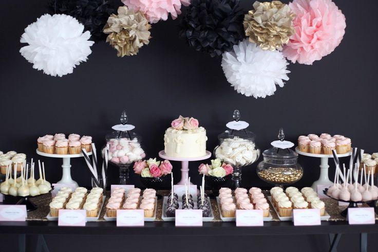 Ein zuckersüßes #Candybar mit Cup-Cakes, Cake-Pops, und Törtchen für die #Hochzeit | von Zuckermonarchie aus Hamburg